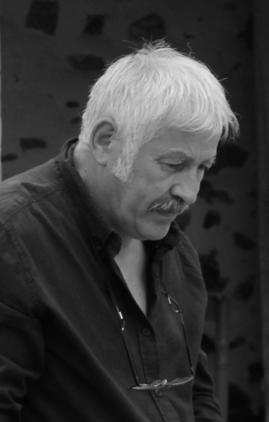portrait de Michel Cabusa sculpteur sur bois