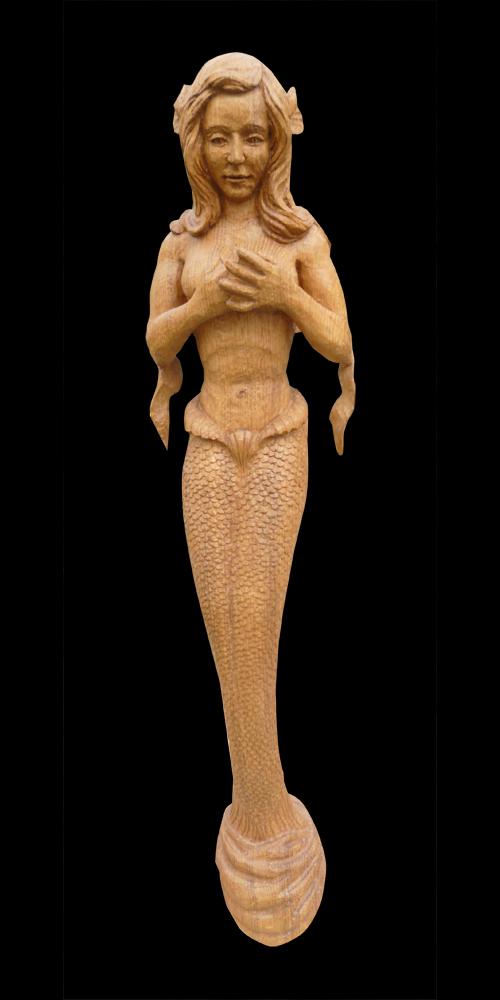 sculpture sur bois d'une sirene
