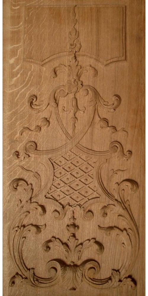 sculpture sur bois d'une ornementation avec feuille d'acanthe